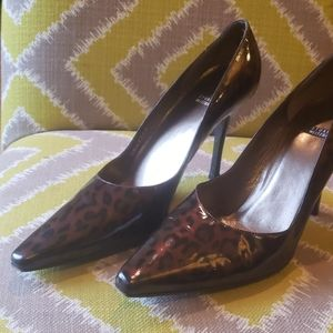 Leopard patent leather heels